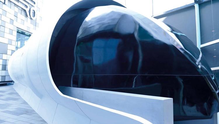 «طرق دبي» تكشف عن النموذج الأولي لتصميم «هايبرلوب»