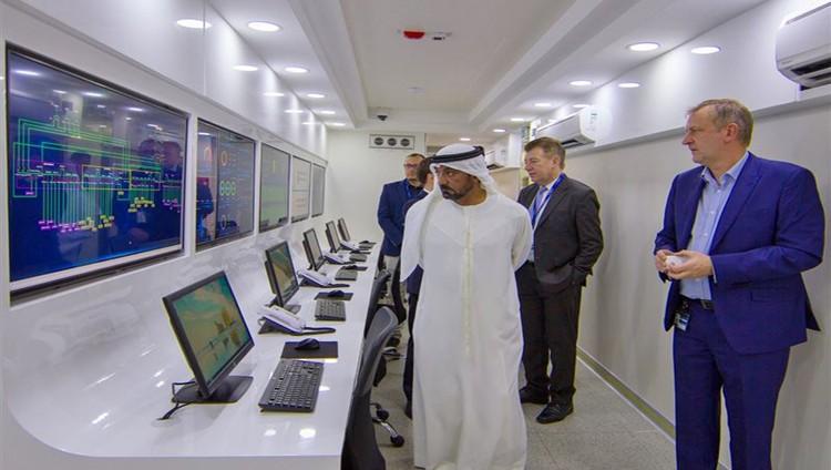 أحمد بن سعيد يدشن (مجمع البيانات المعيارية الجديد في مطار دبي الدولي)