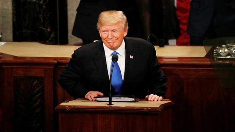 ترامب: الروس غارقون في الضحك على أميركا