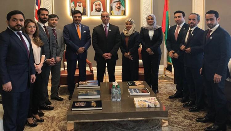سيف بن زايد يزور سفارة الإمارات في بريطانيا بموقعها الجديد