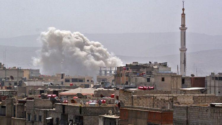 20 قتيلاً من قوات النظام وأكثر من 200 غارة جوية على جنوب دمشق