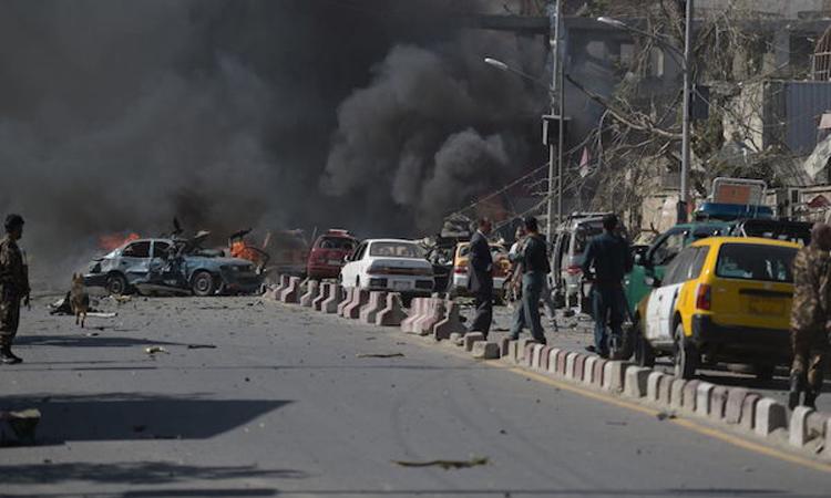قتلى وجرحى في هجوم انتحاري على مركز لتسجيل الناخبين في كابول