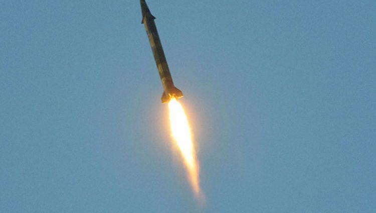 الدفاع الجوي السعودي يعترض صاروخاً باليستياً أطلقته المليشيا