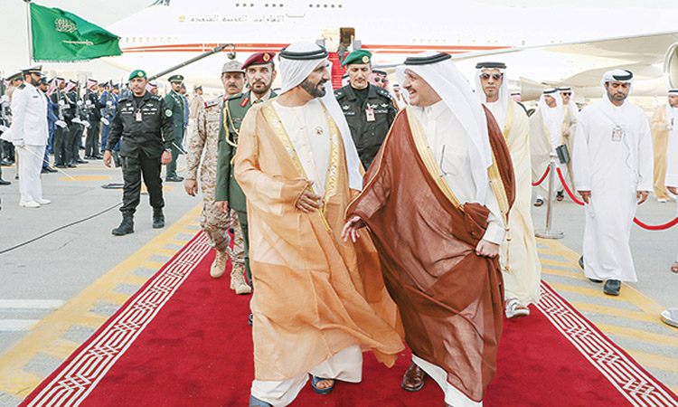محمد بن راشد يترأس وفد الدولة في القمة العربية