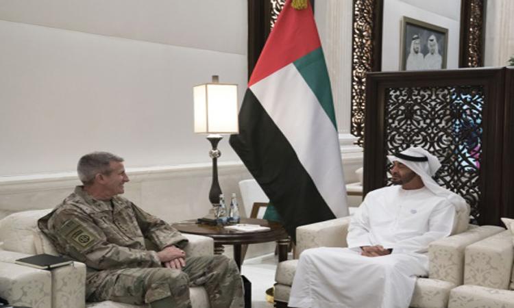 محمد بن زايد يبحث مع قائد أمريكي جهود محاربة التطرف والإرهاب