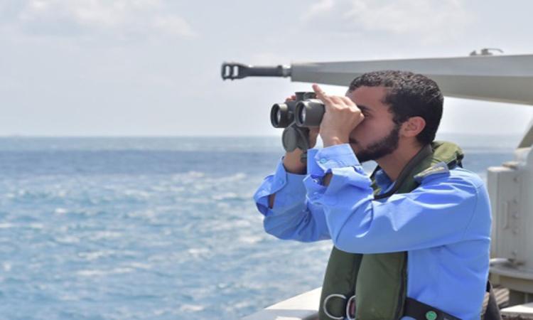 قواتنا تدمّر زورقين لميليشيات الحوثي في البحر الأحمر