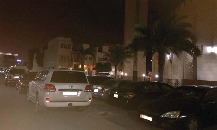 500 درهم غرامة مخالفة الوقوف العشوائي أمام المساجد