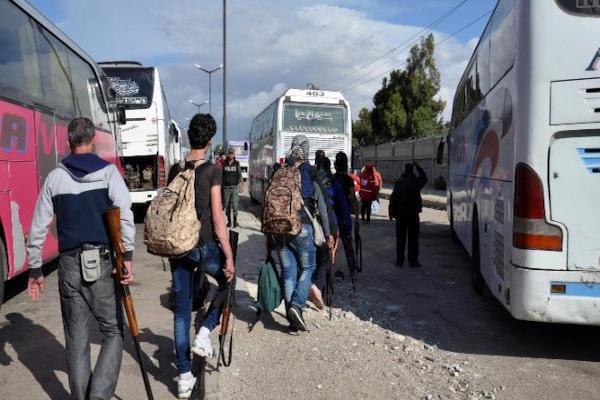 الدفعة الرابعة من مسلحي المعارضة تغادر إلى الشمال السوري