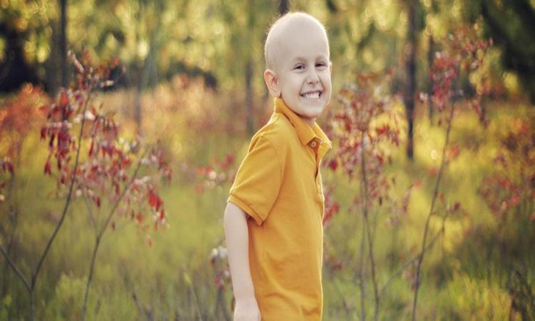 عالم بريطاني يكشف سبب سرطان الدم عند الأطفال