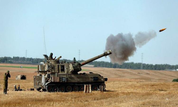 قصف مدفعي للاحتلال الإسرائيلي على قطاع غزة