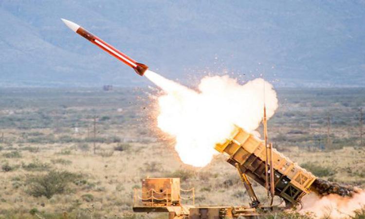 السعودية تعترض صاروخاً حوثياً باتجاه جازان