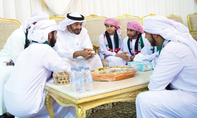 محمد بن زايد: وقفة الإمارات بتضحيات أبنائها تاريخية تتناقلها الأجيال
