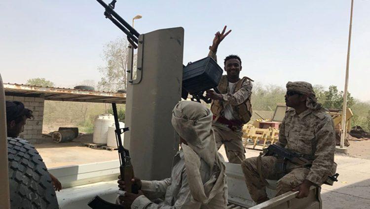 بإسناد من التحالف.. القوات اليمنية المشتركة تسيطر على مطار الحديدة