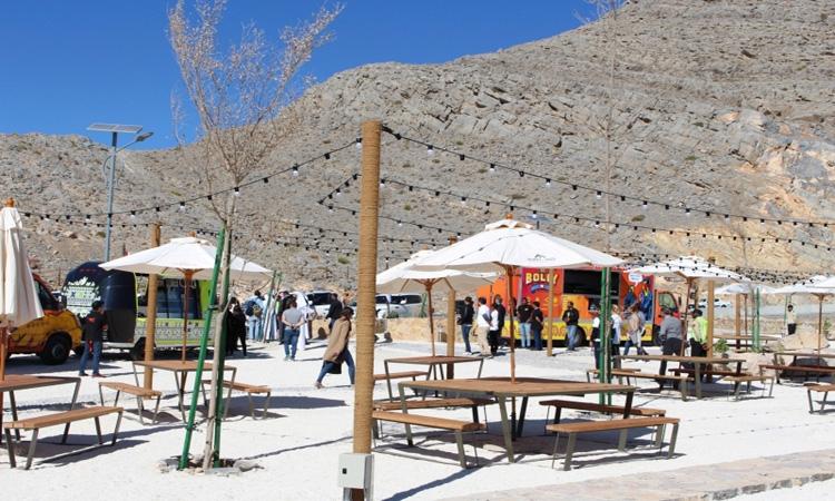 21500 عائلة تحتفل بالعيد أعلى قمة جبل جيس برأس الخيمة