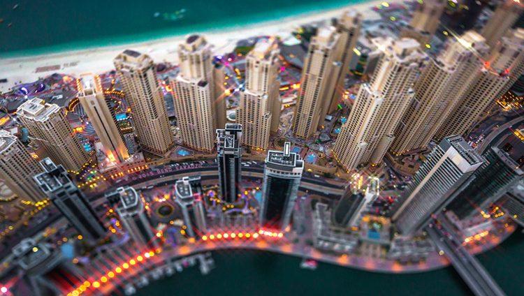 انخفاض كلفة المعيشة في دبي وأبوظبي