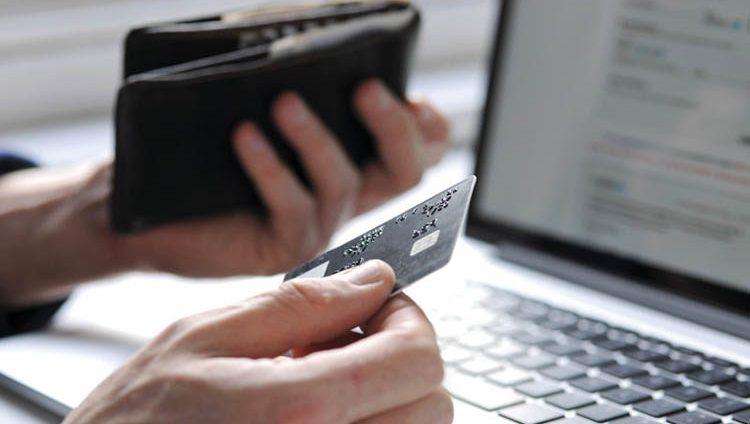 منصّات التجارة الإلكترونية.. نافذة تسويقية جديدة للشركات الناشئة