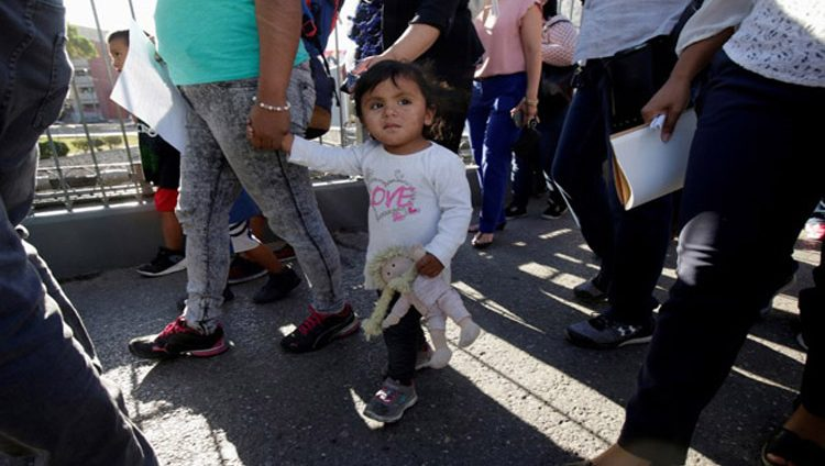 مسؤول أميركي: أبناء المهاجرين سيعودون لذويهم اليوم