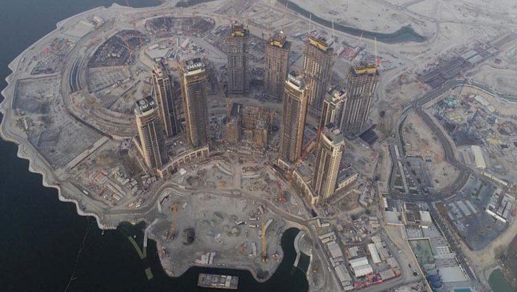 20 برجاً على جزيرة خور دبي