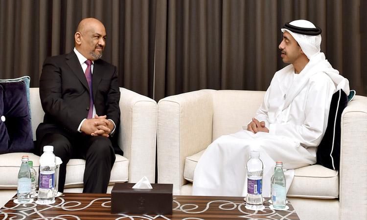 عبدالله بن زايد يؤكد موقف الإمارات الثابت تجاه اليمن وشعبها