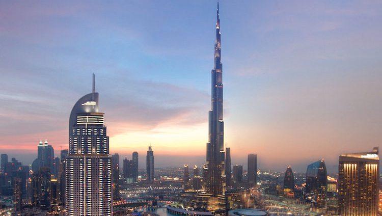 «طيران الإمارات» تقدم عروضاً فندقية للقادمين إلى دبي والمسافرين عبرها