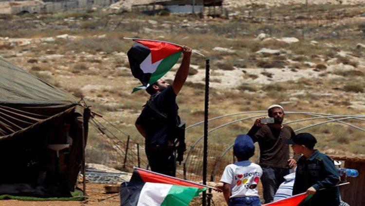 الاحتلال يقمع احتجاجات على مصادرة أراض فلسطينية في الخليل