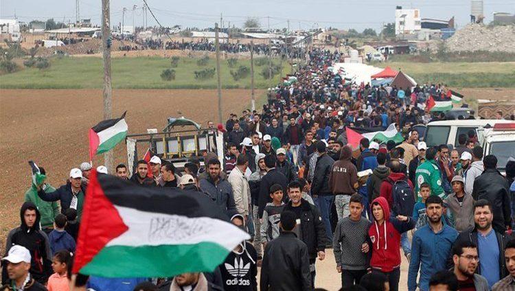 """الفلسطينيون يستعدون لجمعة """"الوفاء للطواقم الطبية والإعلامية"""""""