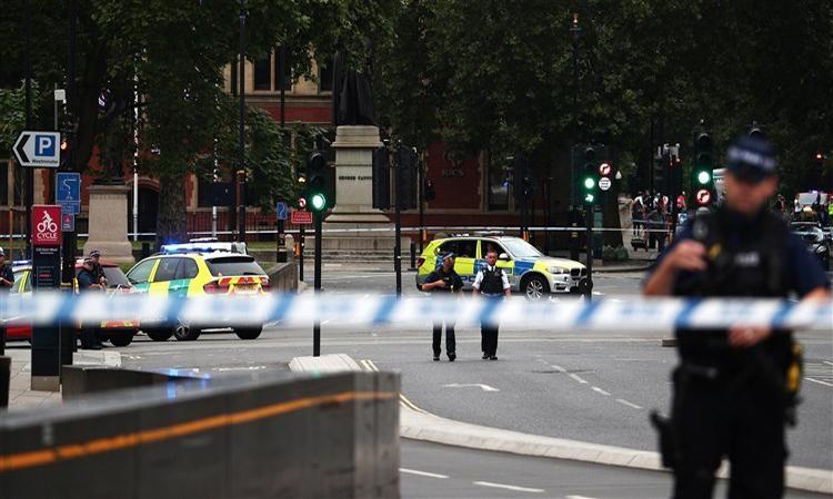 إصابة عدد من المارة دهساً بسيارة أمام البرلمان البريطاني