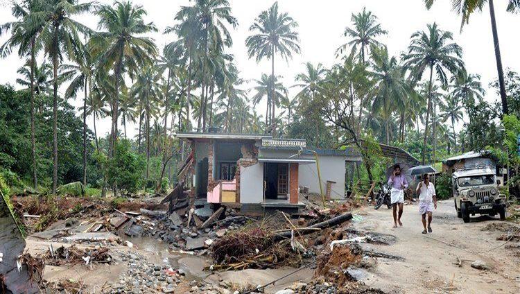ارتفاع حصيلة قتلى فيضانات الهند إلى 357