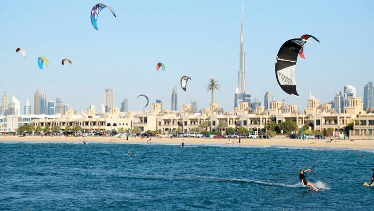 دبي تدمج «التسوّق» و«الحياة الشاطئية» على امتداد سواحلها