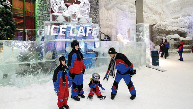 دبي.. وجهات ثلجية وجليدية تُنسيك حرارة الصيف
