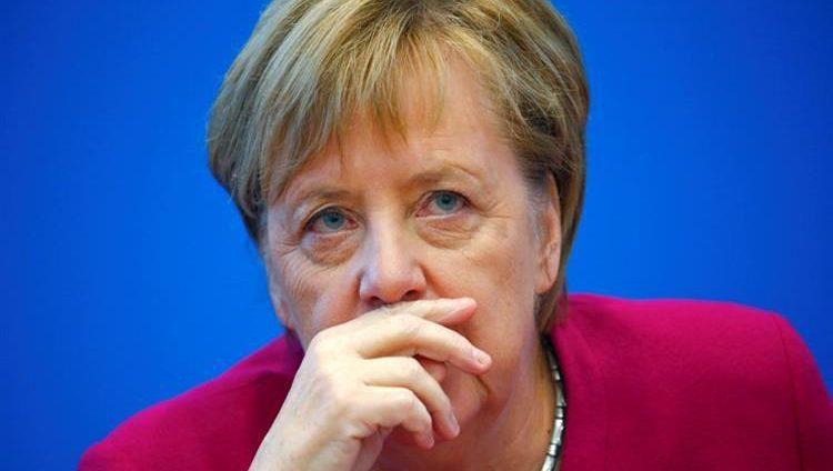 ميركل تتخلى عن رئاسة حزبها مع البقاء في منصبها كمستشارة لألمانيا