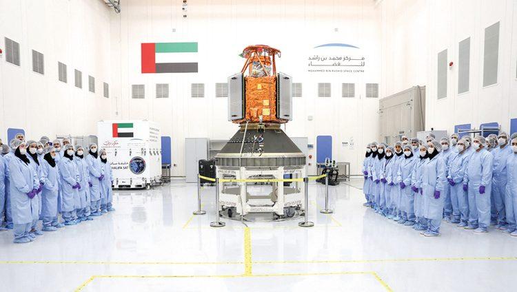 الإمارات تدشن عهد التصنيع الفضائي الكامل