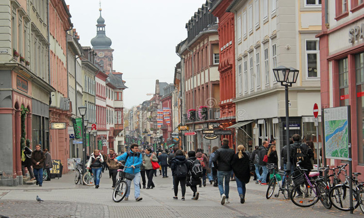 ألمانيا تفتح باب التأشيرات لاستقطاب العمالة الماهرة