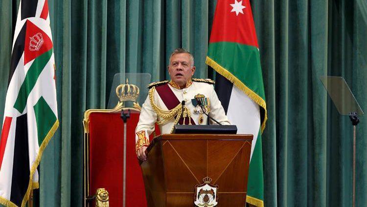 العاهل الأردني يتوعد باجتثاث الفساد