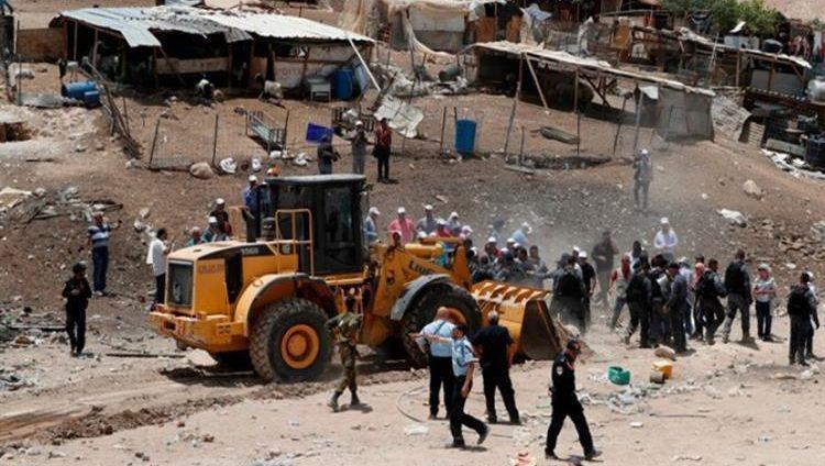الاحتلال الإسرائيلي يؤجل هدم قرية الخان الأحمر