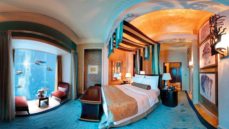 فنادق دبي.. أجنحة ملكية فاخرة تلامس منحدرات الثلج البيضاء.. ورفقة الأسماك