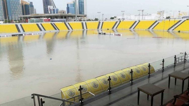 «الدوحة تغرق» يتصدر تويتر.. والمياه تجرف ملاعب المونديال