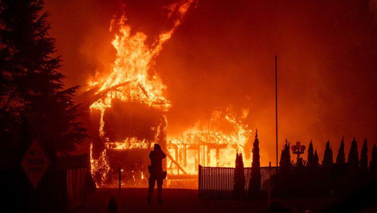 ارتفاع عدد قتلى حريق شمالي كاليفورنيا إلى 76 شخصاً