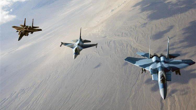 """طيران التحالف الدولي يقصف أهدافاً لـ """"داعش"""" غربي العراق"""