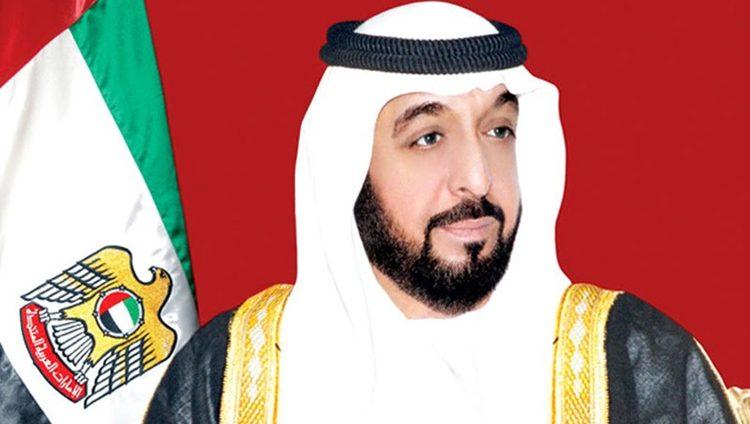 رئيس الدولة ونائبه ومحمد بن زايد يهنئون سلطان عُمان باليوم الوطني