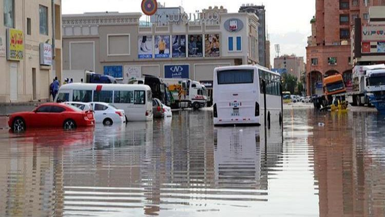 اليوم عطلة في الكويت لسوء الأحوال الجوية