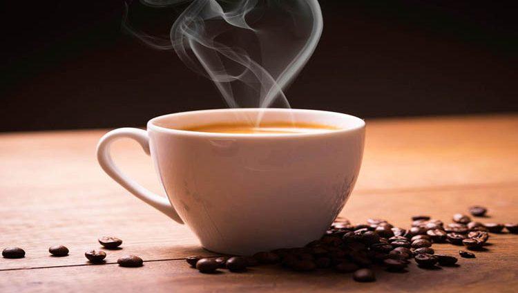 ما تأثير تناول 4 فناجين قهوة يومياً على صحتك؟