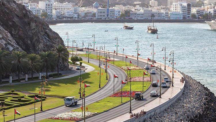 الإمارات وعُمان تحلقان بأعلى معدل نمو اقتصادي في الخليج
