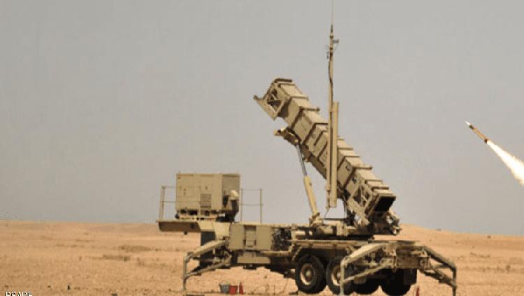 """دفاعات """"التحالف العربي"""" ترصد سقوط صاروخ في البحر أطلقه الانقلابيون"""