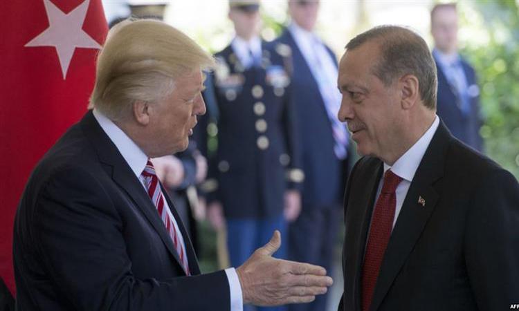 """ترامب: أردوغان تعهد باجتثاث """"داعش"""" في سوريا"""