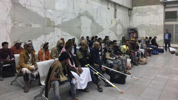 بتوجيهات رئيس الدولة ومتابعة محمد بن زايد.. عشرات الجرحى اليمنيين يصلون مصر للعلاج على نفقة الإمارات