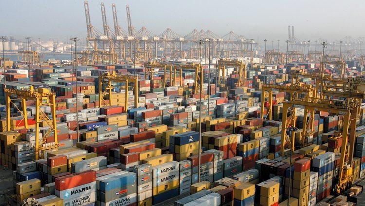 دبي الرابعة عالمياً والأولى عربياً في الانفتاح على التجارة الخــارجية
