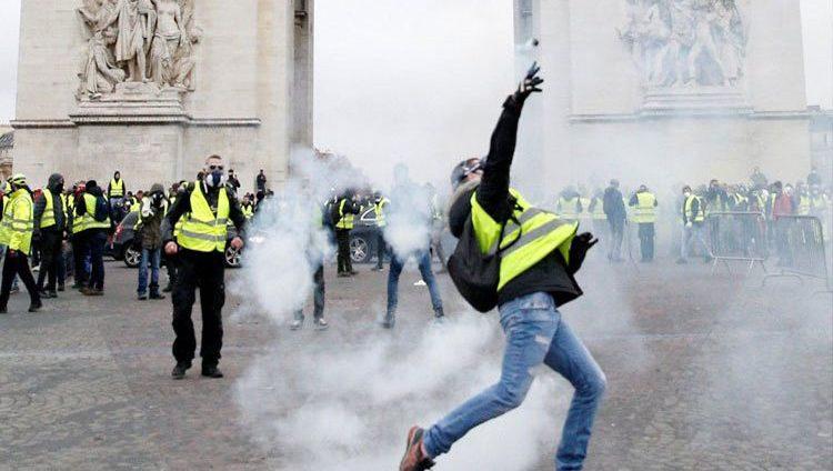 وزير المالية الفرنسي: على ماكرون توحيد فرنسا لدرء الأضرار الاقتصادية