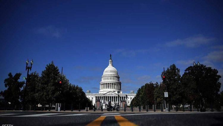 بدء إغلاق الإدارات الفيدرالية في أميركا
