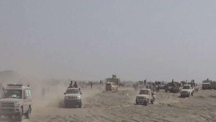 """إصابة قيادات يمنية في استهداف حوثي لقاعدة عسكرية بـ""""لحج"""""""